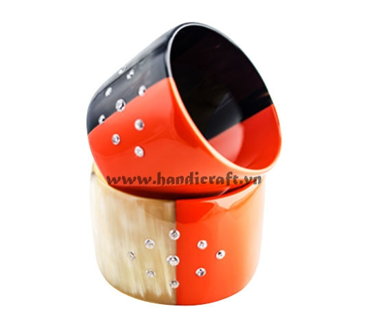 Horn & lacquer with precious stone inlay bangle bracelet