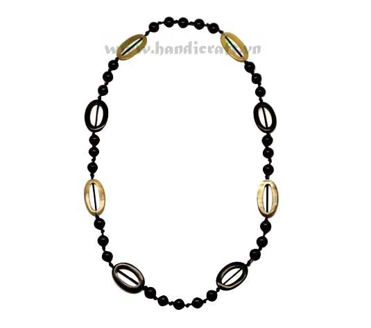 Black beaded & oval horn links