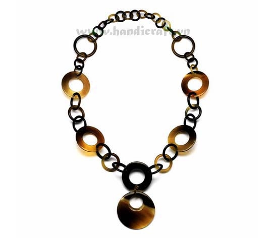 Think & thin horn circles necklace