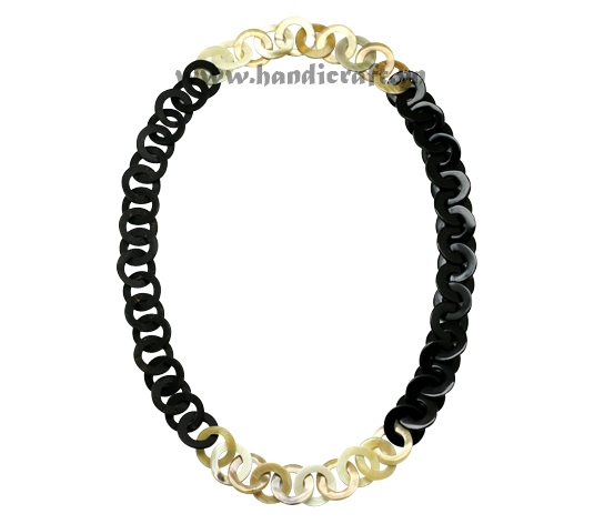 Black & white horn circles necklace