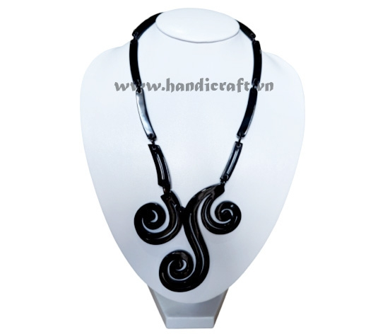 Solid horn carved necklace