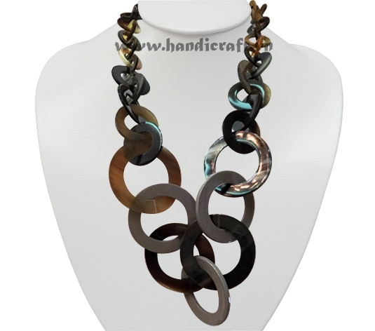 Small & big round horn necklace