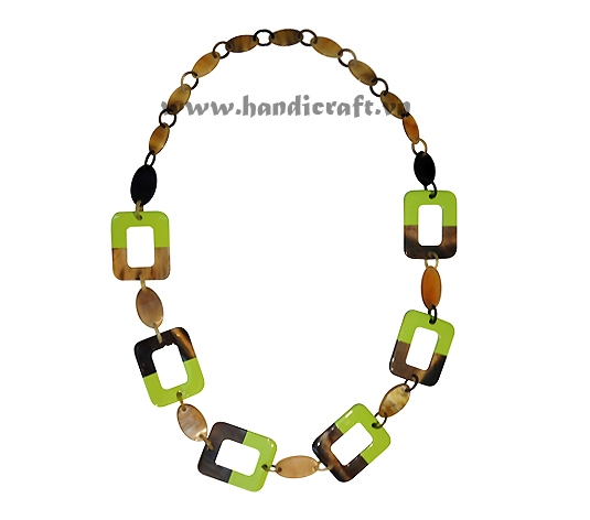 Buffalo horn with green lacquer necklace