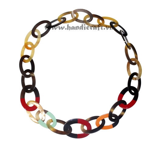 Oval horn with multi color lacquer necklace