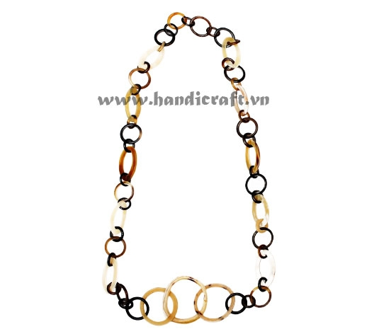 Oval & round horn chain necklace