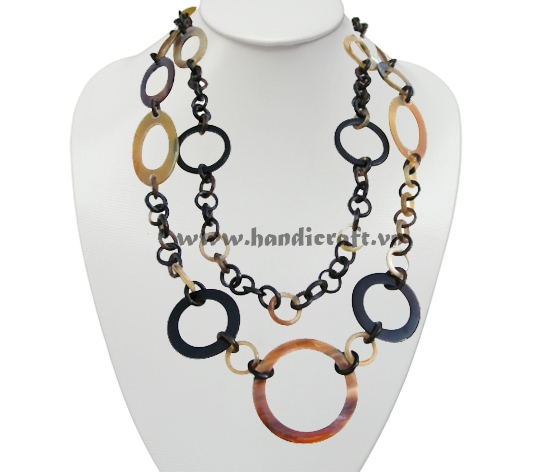 Long horn necklace