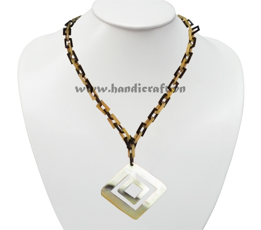 Small rectangular horn links with large square pendant
