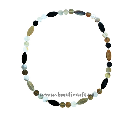 Round & oval horn necklace