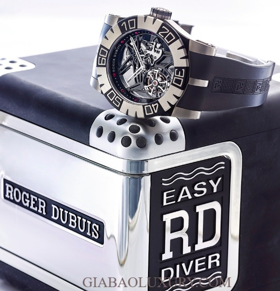Đồng hồ Roger Dubuis Diver Tourbidiver Titanium & Ceramic Skeletonzied Limited Edition