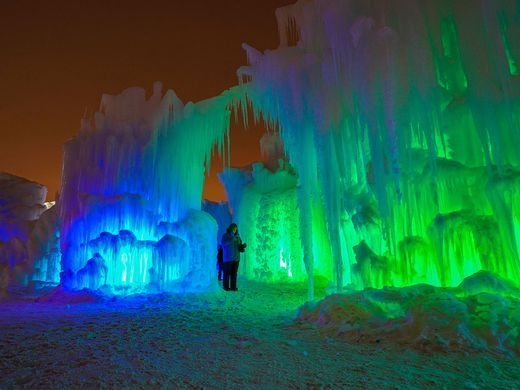 Enchanting Ice Castles, Edmonton và Winnipeg