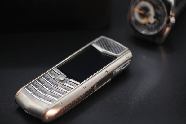 Vertu Ascent Ti Carbon