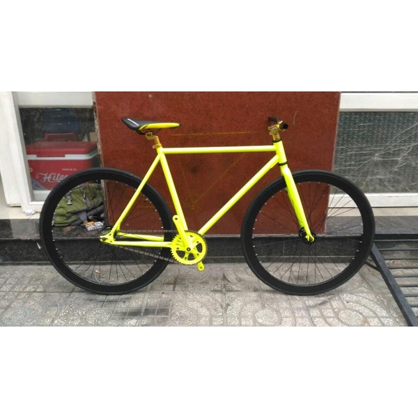 xe-dap-fixed-gear-vang-den