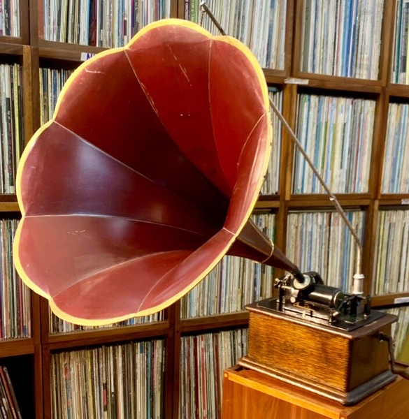 may-hat-ong-nhac-edison-standard-phonograph