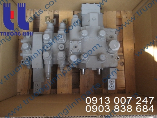 Main Valve for KATO, NK450B-III Crane