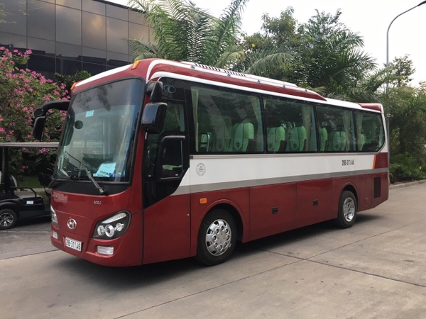 thaco-35-cho-duong-dai-15-000-000d-km-city-tour-noi-thanh-2-000-000d-ngay