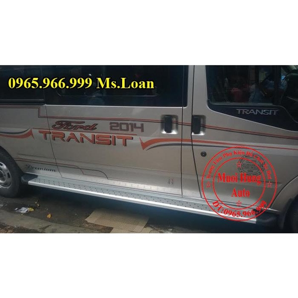 be-buoc-xe-ford-transit-chinh-hang
