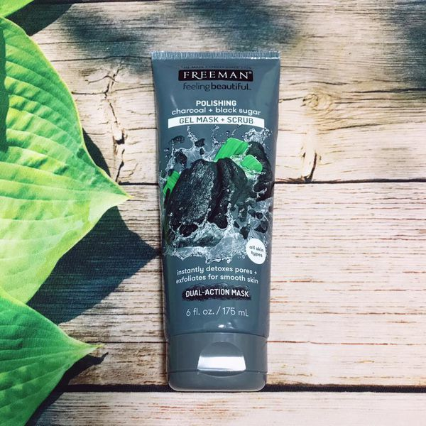 mat-na-freeman-feeling-beautiful-facial-polishing-charcoal-black-sugar