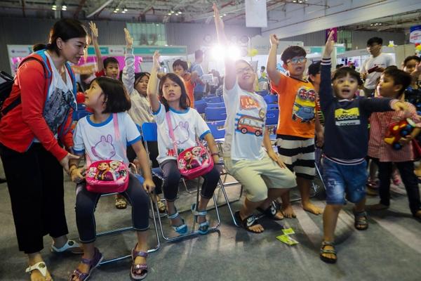 các bé tham gia show game polesie tại triển lãm Polesie VietBaby Fair 2019