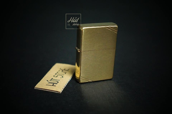bat-lua-zippo-vintage-high-polish-brass-chat-goc