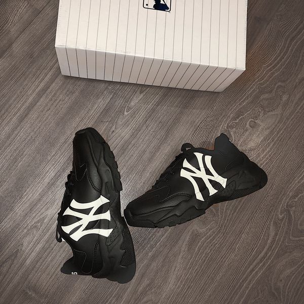hang-chinh-hang-mlb-black-new-york
