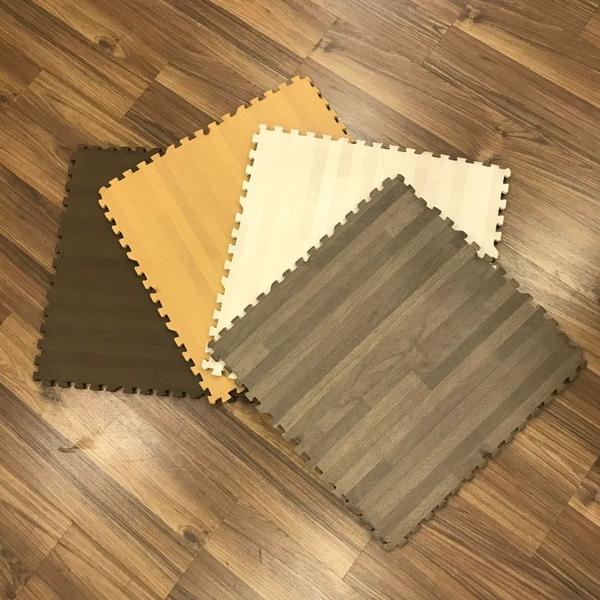 Xốp trải sàn vân gỗ xám 45x45cm 1