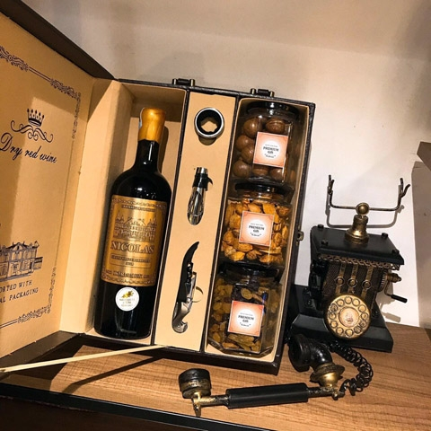 Set quà Tết cao cấp 2020 - Rượu Vang Pháp Nicolas