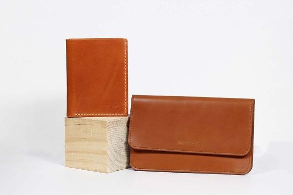 Bóp ví da thật nam nữ HAVIAS Couple Ví The Momo & Venumi Wallet Yellow Brown