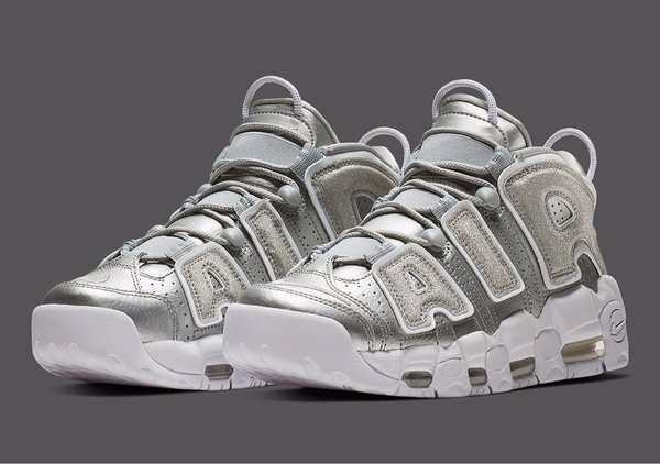 [917593-003] W NIKE AIR UPTEMPO METALLIC SILVER