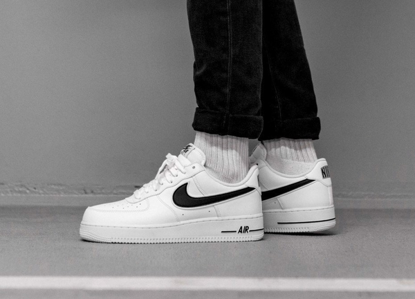 [AO2423-101] M NIKE AIR FORCE 1 '07 BLACK WHITE