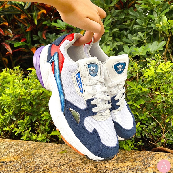 [CG6246] W ADIDAS FALCON WHITE BLUE