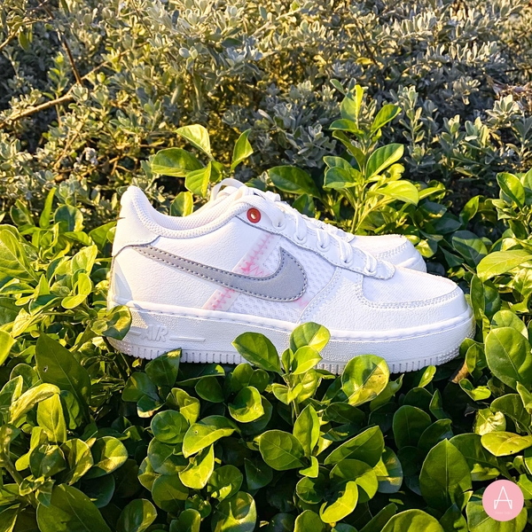 [AV0743-100] K NIKE AIR FORCE 1 LV8 LOW WHITE OFF NOIR HYPER CRIMSON GREY