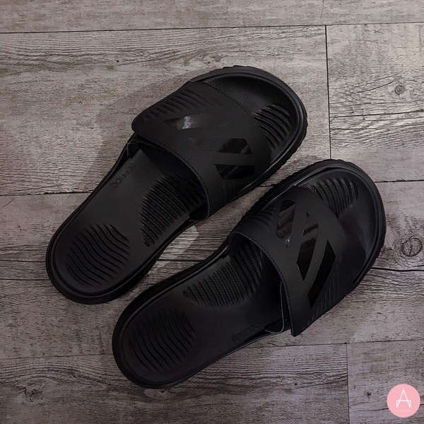 [B41720] M ADIDAS ALPHABOUNCE BASKETBALL SLIDES TRIPLE BLACK