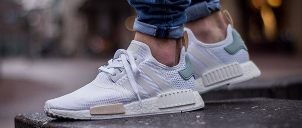 [BY3033] W ADIDAS NMD R1 WHITE TECTILE