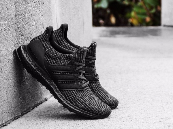 [BB6171] M ADIDAS ULTRABOOST 4.0 ALL BLACK