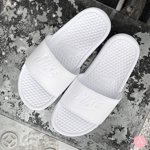 [343881-115] W NIKE BENASSI JDI ALL WHITE/WHITE