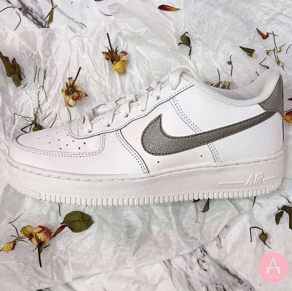 [314219-128] K NIKE AIR FORCE SWOOSH SILVER