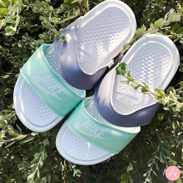 [819717-103] W NIKE BENASSI DUO ULTRA SLIDES WHITE TEAL TINT