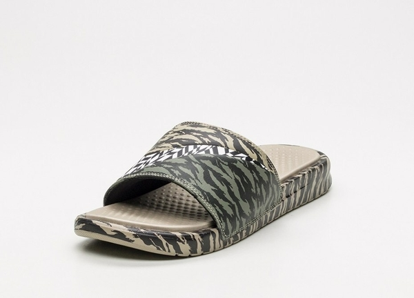 [AQ5059-001] M NIKE BENASSI ULTRACAMO CAMO GREEN