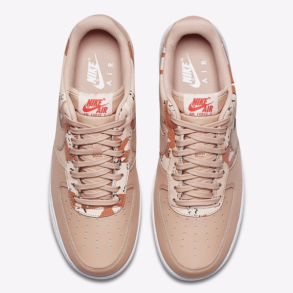 [823511-202] M NIKE AIR FORCE 1 LV8 07' CAMO TAN