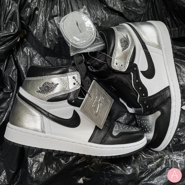 [CD0461-001] W NIKE AIR JORDAN 1 RETRO HIGH OG SILVER TOE