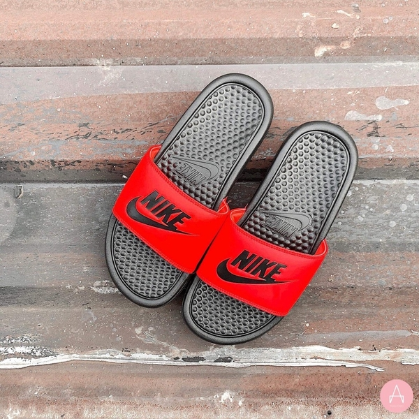 [343881-017] W NIKE BENASSI JDI BLACK/BLACK-FLASH CRIMSON