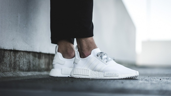 [S31506] ADIDAS NMD R1 ALL WHITE