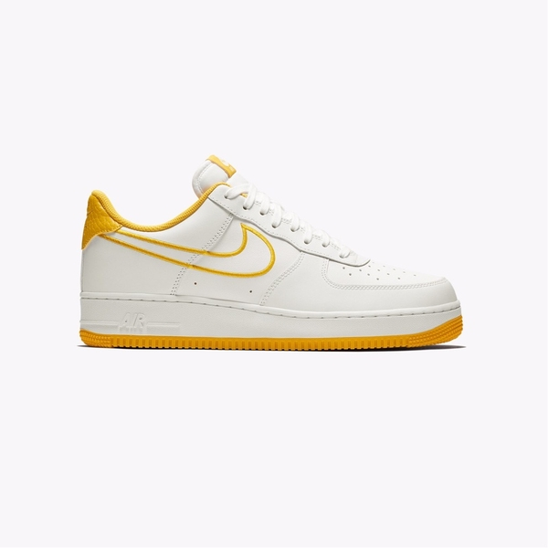 [AJ7280-101] M NIKE AIR FORCE 1 '07 WHITE GOLD OCHRE