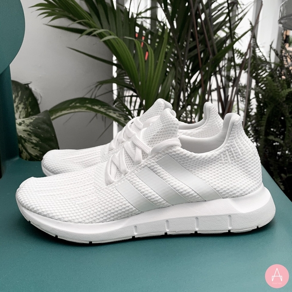 [B37725] M ADIDAS SWIFT RUN ALL WHITE