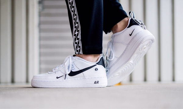 [AR1708-100] K NIKE AIR FORCE 1 LV8 UTILITY
