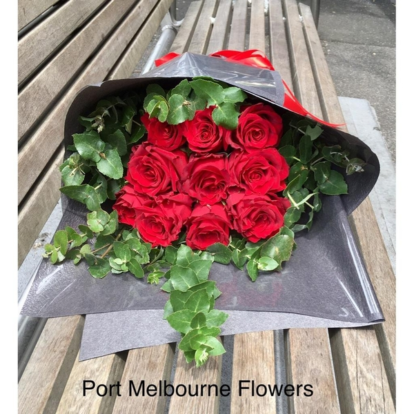 vd-10-red-rose-bouquet-66