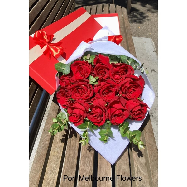 vd-12-premium-red-rose-box