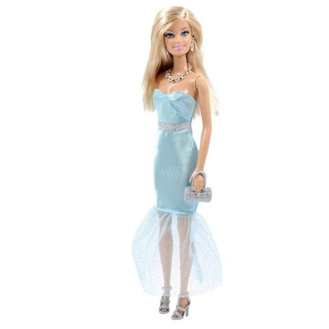 Chất liệu nhựa an toàn, bố mẹ sẽ không phải lo lắng khi cho bé chơi đồ chơi Barbie