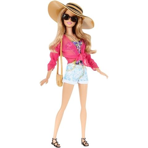 Hay bé có thể thay trang phục dạo phối cho Barbie phong cách nghỉ mát