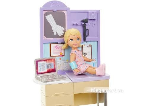 Barbie Bộ bác sĩ nhi khoa - bạn nhỏ đi khám bệnh